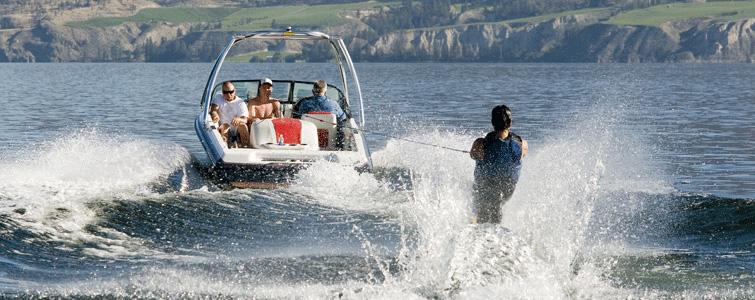 people-in-ski-boat-big