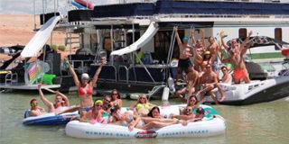multi-houseboat-sm